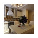 Светлая кухня выдержана в благородном и элегантном классическом стиле.